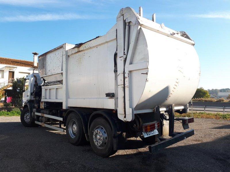Camion d'ordures Mercedes Axor 2528 - 5
