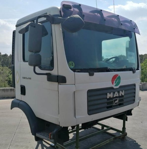 Cabina Corta-baja Man TGM 15.240 - 2