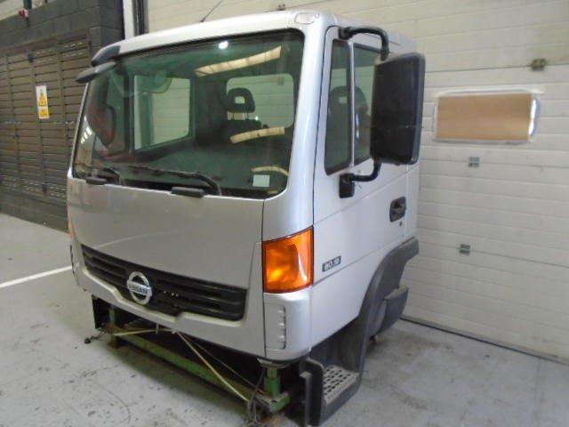 Cabina Corta-baja Nissan Atleon - 1