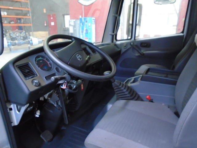 Cabina Corta-baja Nissan Atleon - 3